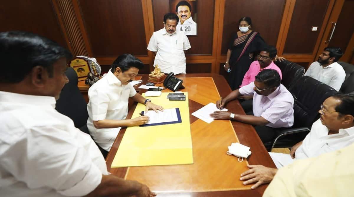 DMK-VCK seal poll alliance