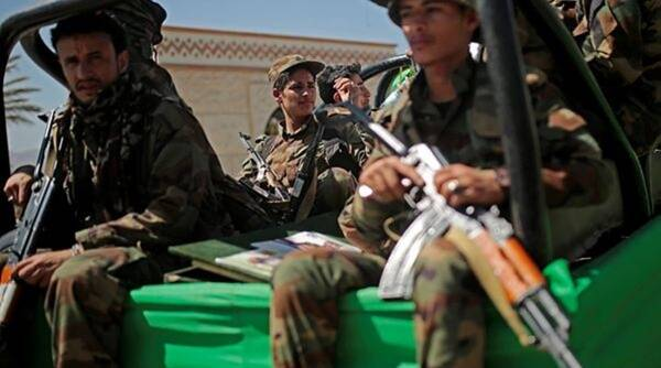Yemeni rebel offensive threatens camps of those who fled war