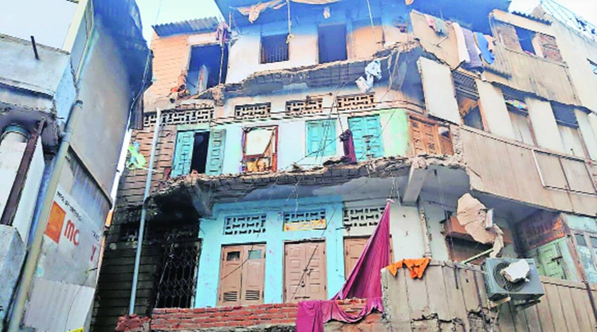 Ahmedabad building collapse, building collapse, Ahmedabad building collapse deaths, Ahmedabad news, indian express news
