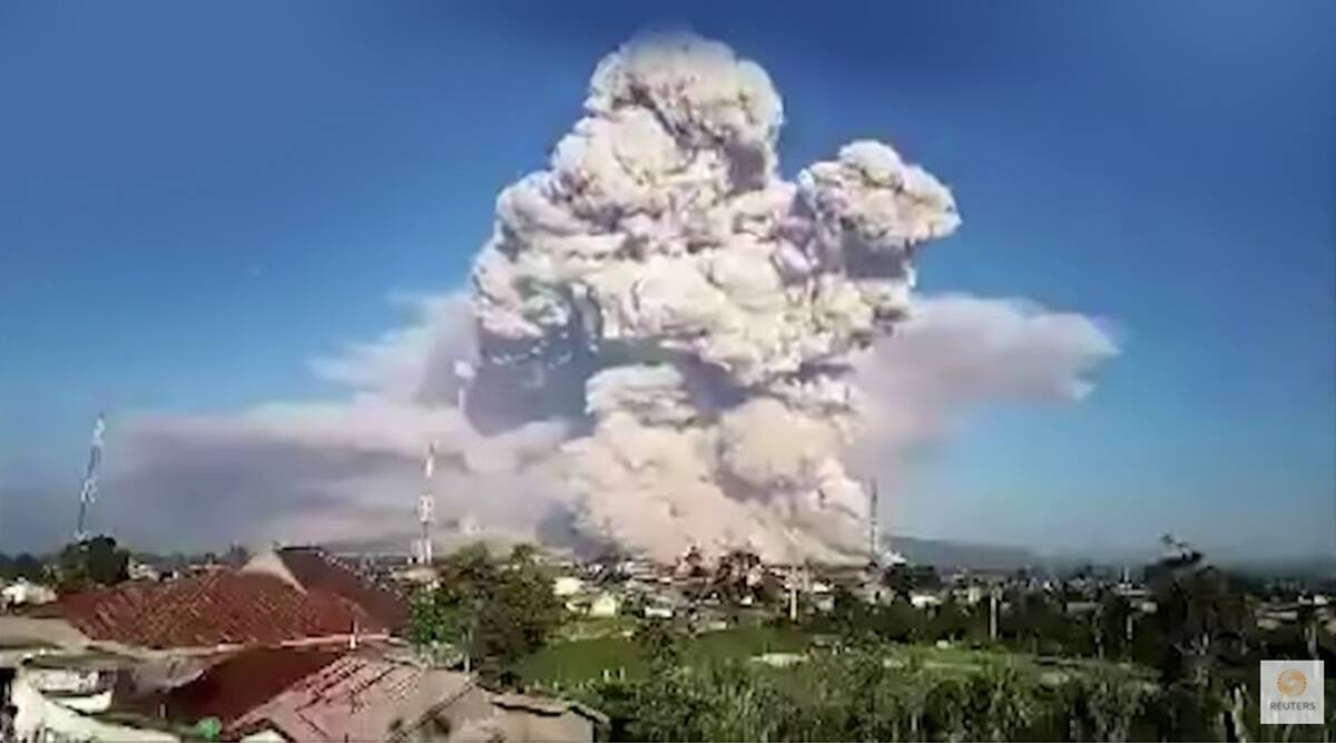 Indonesia's Mount Sinabung erupting time lapse viral video, active volcano, North Sumatra province, Indonesia news, trending, indian express, indian express news