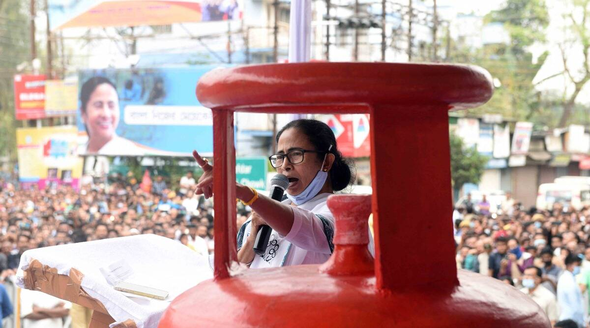 Ujjwala to jumla…who can be bigger syndicate than Modi-Shah: Mamata