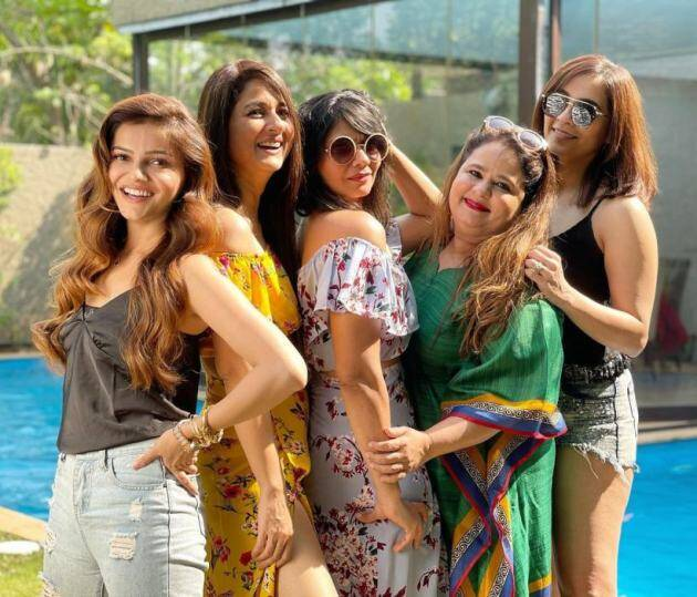 rubina dilaik, rubina friends photos