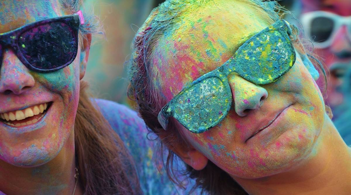 Holi celebrations, dos and don'ts for skin and hair for Holi, taking care of skin and hair for Holi, Holi 2021 celebrations, Holi skincare, Holi hair care, indian express news