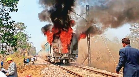 Shatabdi Express catches fire, Dehradun Shatabdi catches fire, Shatabdi Coach, Dehradun news, Indian express news