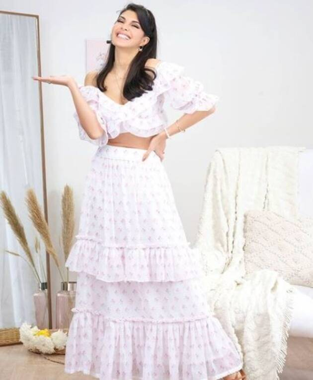 style file, best bollywood looks, latest bollywood photos, best bollywood fashion of the week, fashion hits and misses of the week