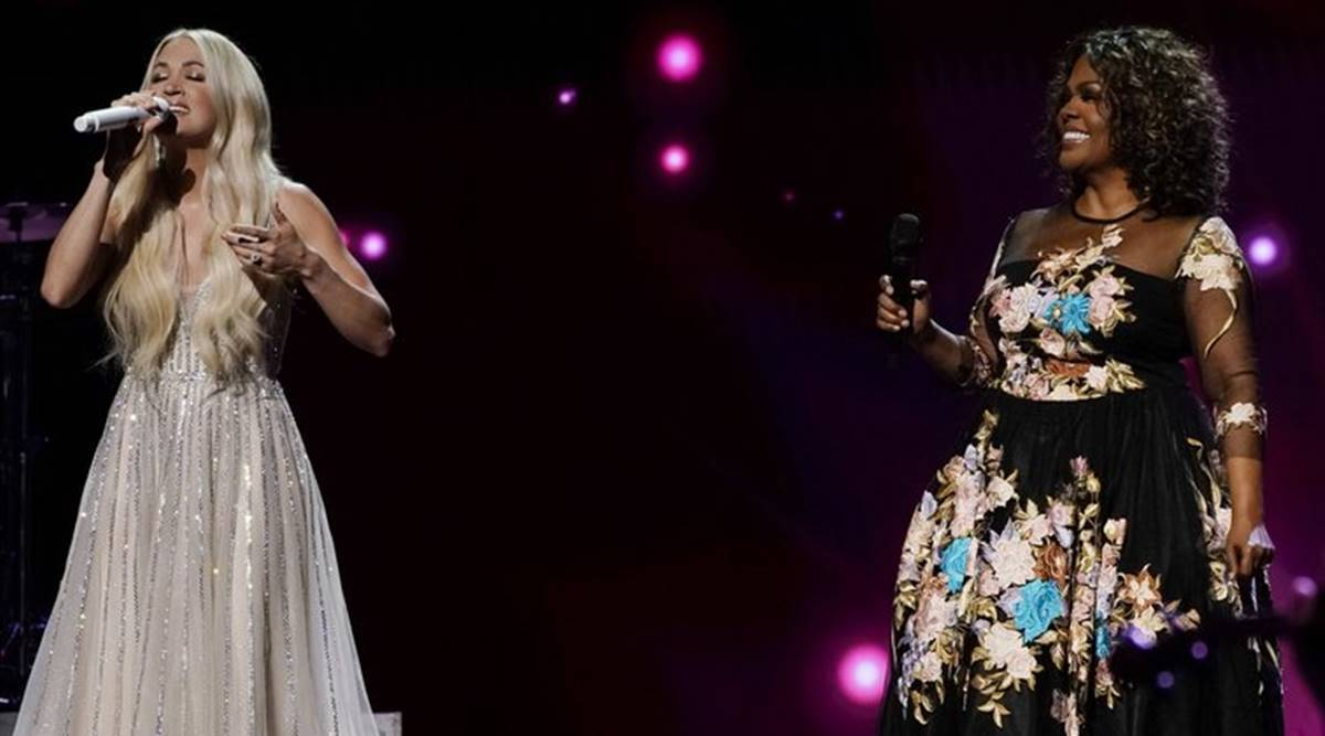 Singers Carrie Underwood and CeCe Winans