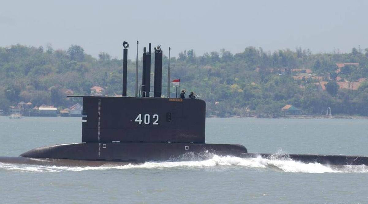 Indonesia, Indonesian submarine missing, submarine missing Indonesia, Indonesia National Armed Forces, India navy to hunt missing Indonesian submarine , Rajnath singh, Indian express