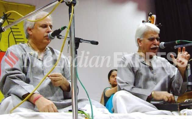 pandit rajan mishra, pandemic news, pandit rajan mishra sajan mishra news, pandit rajan mishra passes away, rajan mishra dead, vocalist rajan mishra, indianexpress.com, indianexpress,
