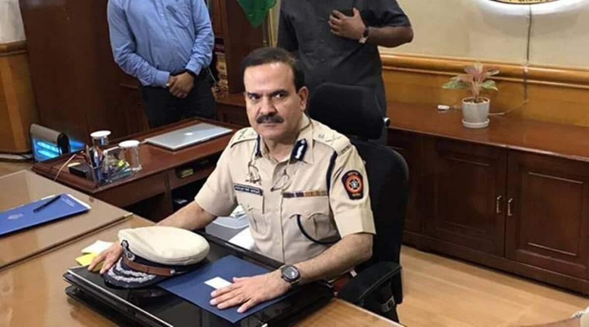 Cop accuses Param bir singh writes to uddhav thackeray
