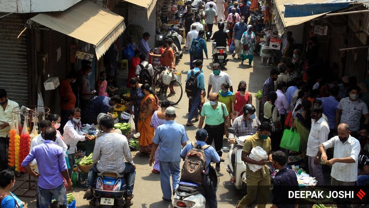 Maharashtra essential shops, Maharashtra essential shops timings, Maharashtra grocery shops timings, Maharashtra Covid news, Maharashtra news, Maharashtra Covid guidelines, Maharashtra shops, Maharashtra vegetable vendors, Covid-19, Indian Express