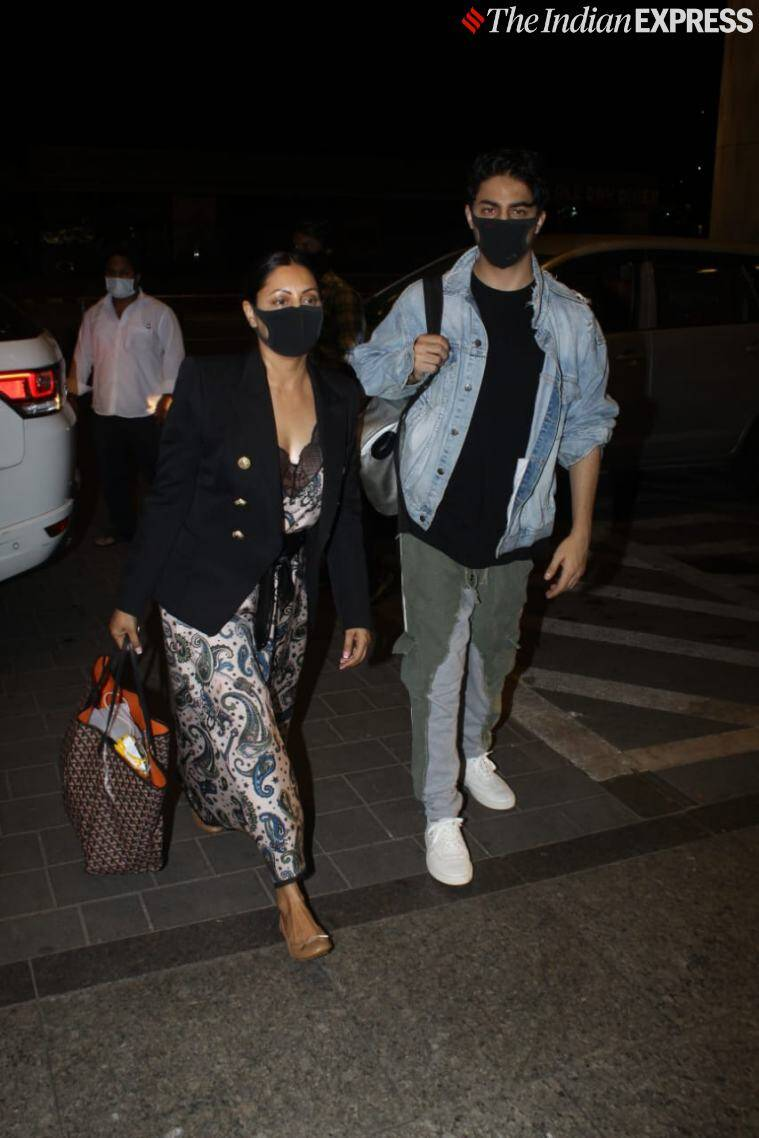 gauri khan aryan khan airport photos