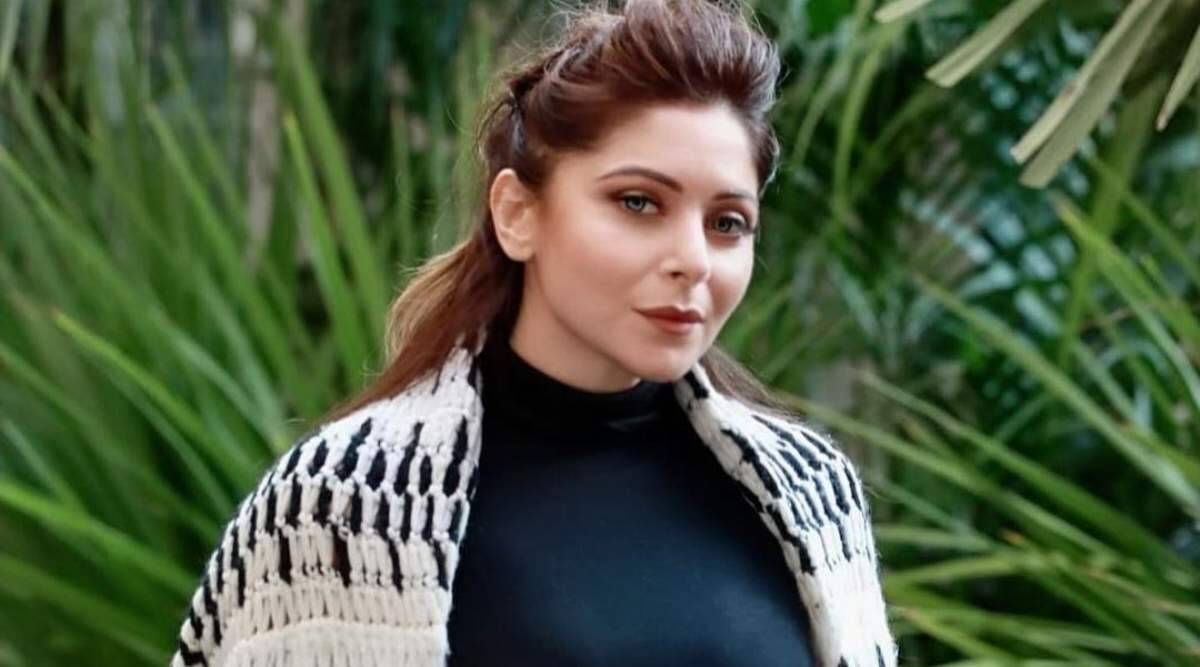 Kanika Kapoor recalls hate she received after COVID-19 diagnosis: 'It was so heavy on me that I forgot I have the virus' | Entertainment News,The Indian Express