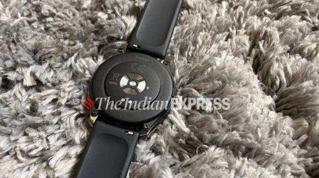 oneplus watch, oneplus watch first look, oneplus watch look, oneplus watch specs, oneplus watch features, oneplus watch photos, oneplus watch pics, oneplus watch specifications, oneplus watch price, oneplus watch price in india, oneplus watch price and specs, oneplus watch sale date, oneplus watch design, oneplus watch review