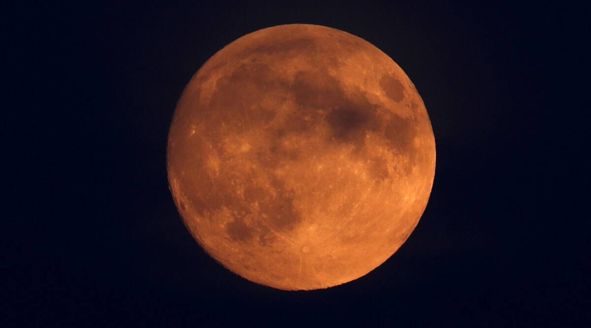 How to Watch Tomorrow's 'Super Blood Moon' Eclipse