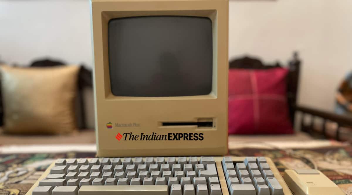 Apple Macintosh, Macintosh 1984, Nintendo Entertainment System, NES, Nintendo Game Boy, Atari, Sony Walkman, 80s gadgets, best of 1980 gadgets, Sony Trinitron TV, Casio Calculator watch