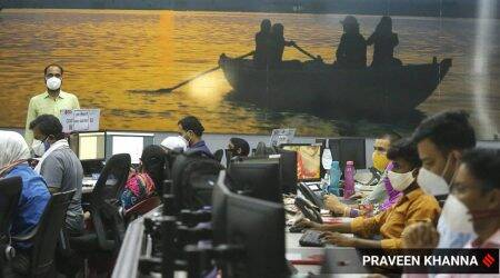 Covid command centre, Varanasi Ghat, PMO, Covid death, Varanasi cases, UP covid situation, Indian express news