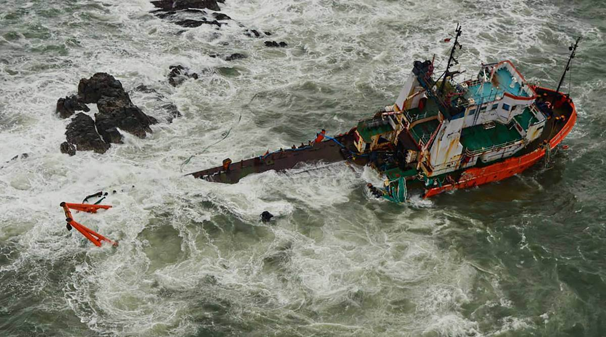 ONGC vessels rescue, ONGC employee first-hand account, ONGC vessels, Cyclone tauktea missing vessels, Cyclone tauktea ONGC vessels, Indian Navy rescue, Cyclone tauktea rescue operations, P305 barge sinks, Indian Express news