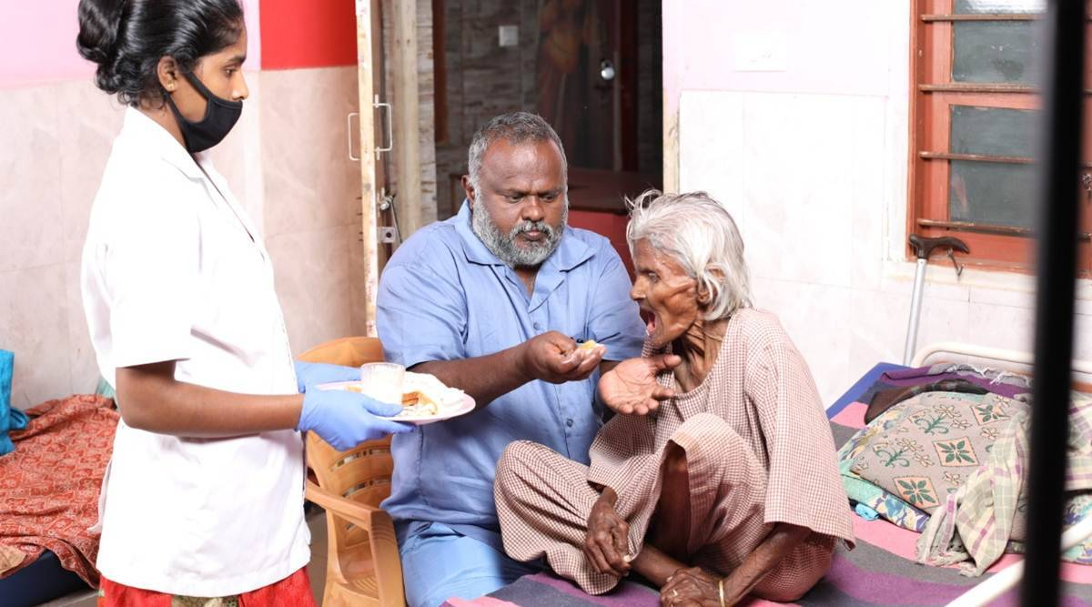 At auto driver's home of hope for elderly in Bengaluru, vaccination is a stumbling block