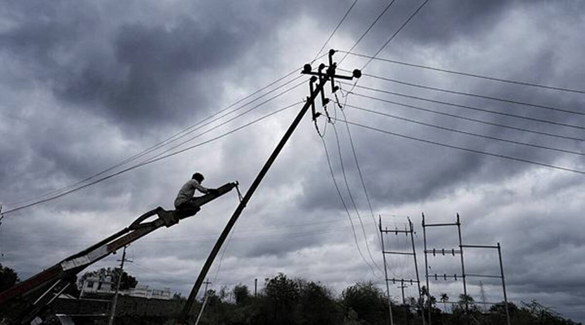 Gujarat: 650-member DGVCL team to help restore power supply in Saurashtra