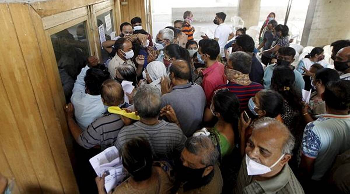 Gujarat: Fewer people in 18-plus age group get the jab on Day 2