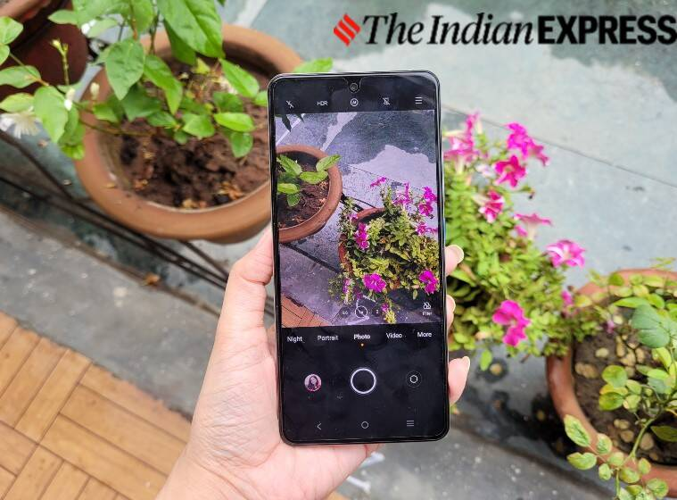 iQOO 7 Legend, iQOO 7 Legend review, iQOO 7 Legend performance, iQOO 7 Legend display, iQOO 7 Legend camera performance, iQOO 7 Legend battery, iQOO 7 Legend price in india, iQOO 7 Legend vs, best phones under rs 40,000