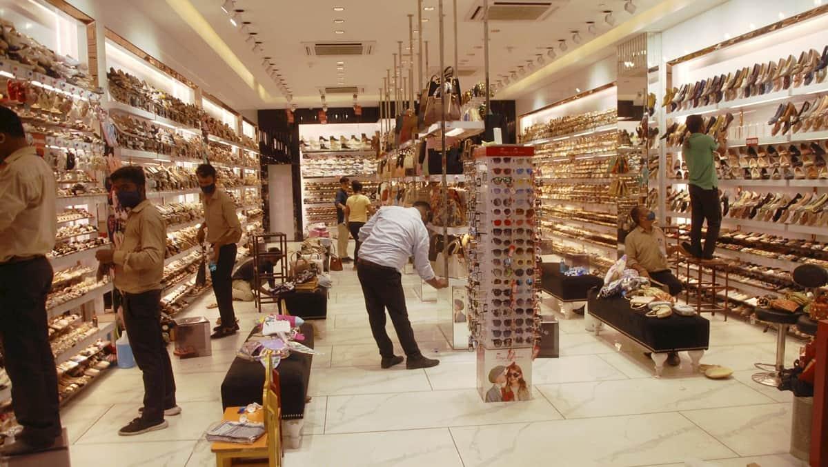 Noida unlock, Ghaziabad unlock, Noida malls open Monday, Noida malls open, Ghazaibad malls open timing, noida malls open timing