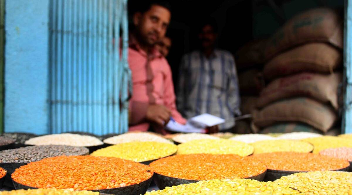 In bid to control price of pulses, Centre imposes stock limits