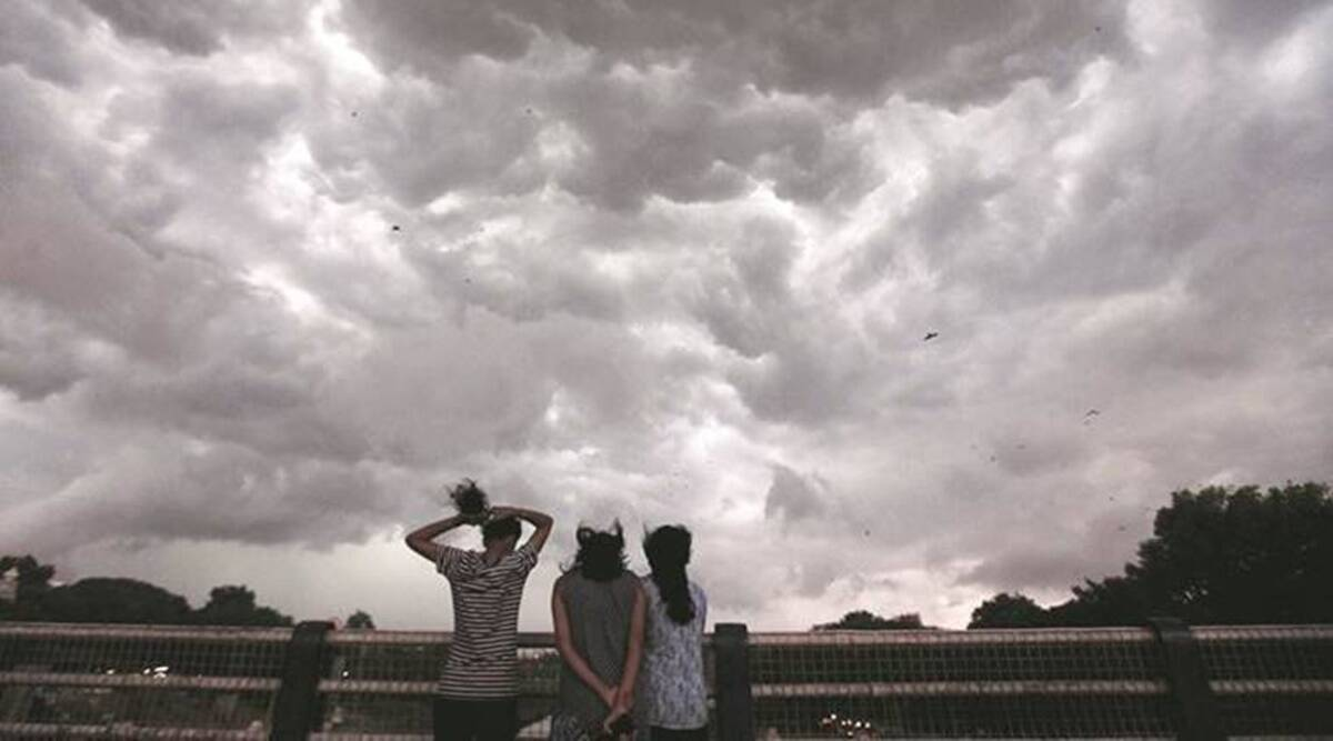 Cloudy and sunny conditions to play hide and seek over Pune on Saturday