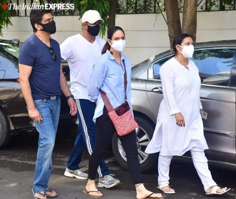 Samir Soni, Rohit Roy and his wife Manasi Joshi Roy