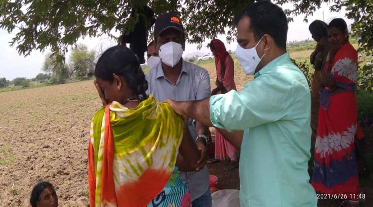 Covid vaccine Karnataka, Karnataka vaccination drive, Covid vaccine side effects, covid vaccine rumours, yadgir vaccination, vaccine hestitancy, karnataka covid news, indian express