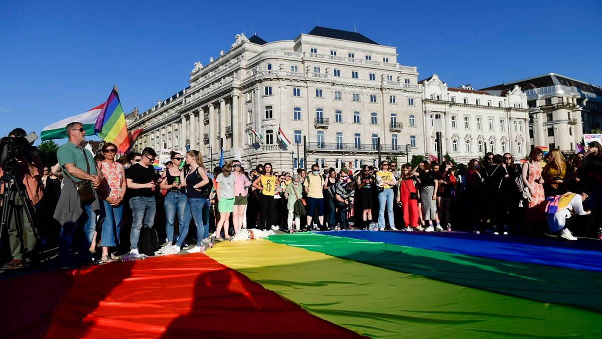 Hungary: Lawmakers pass law barring LGBT content in schools