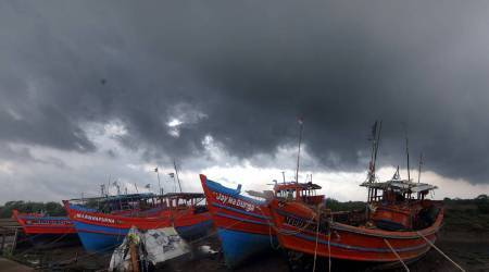 heavy rain, Cyclone Yaas, west bengal thunderstorm, west bengal heavy rain, west bengal rainfall, kolkata rain, west bengal monsoon, kolkata news, kolkata latest news, indian express