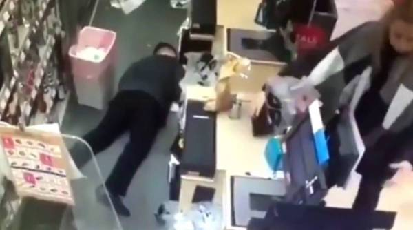 uk man pretends fake falls to get out of work, man pretends to faint viral video, UK fainting viral video, man fakes fall twitter reactions, indian express, indian express news