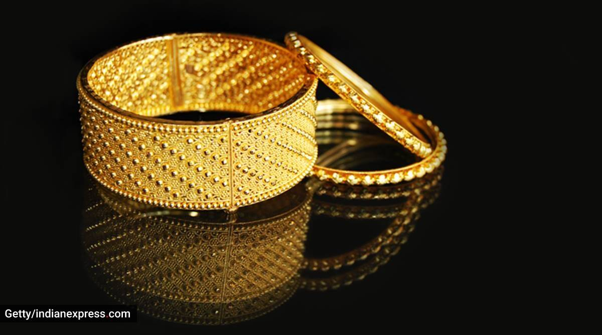 Jewellery cleanse, should you wear jewellery during covid, covid 19 and jewellery, covid 19 pandemic and jewels, should you wear a watch, indianexpress.com, indianexpress,