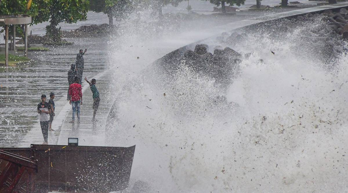 Weather forecast today Live Updates: Heavy rain in several parts of Mumbai