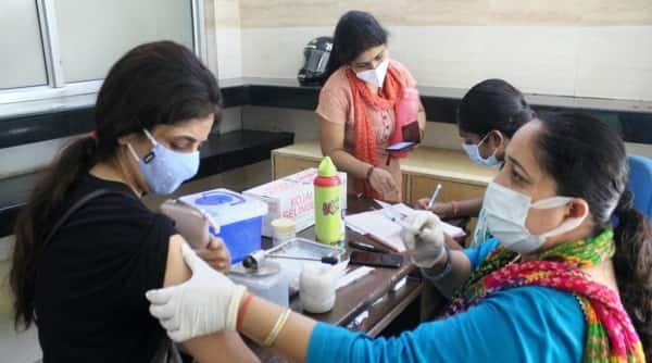 India covid numbers, India coronavirus, Covid-19 numbers India, India Covid caseload, India covid deaths, India oxygen shortage, Indian Express news