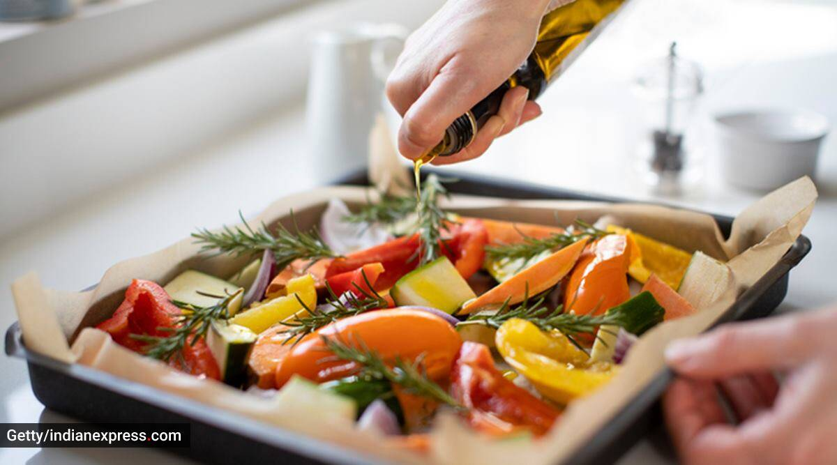 cooking at home, using healthy oils for cooking, olive oil, olive oil and its variants, olive pomace oil, what is olive pomace oil, health benefits of olive pomace oil, indian express news