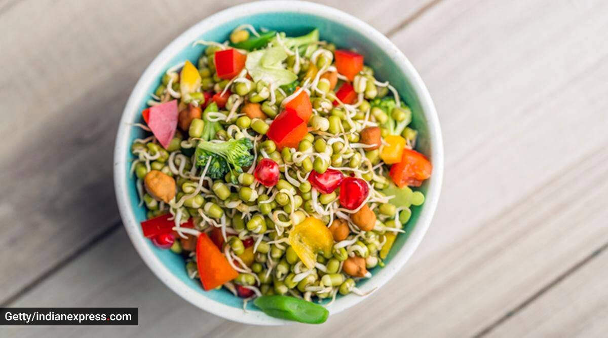 healthy recipes, healthy eating, making healthy recipes at home, monsoon cravings, tasty food, sprout bhel recipe, making sprout bhel at home, indian express news