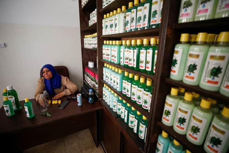 Gaza women create cosmetics, Gaza women cosmetics herbs, Gaza women cosmetics GG