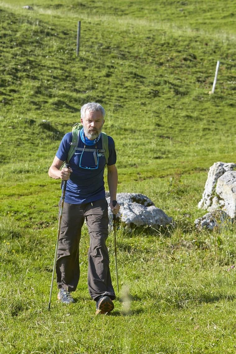 swiss hiker Yves Auberson, Yves Auberson Parkinson's, Yves Auberson Parkinson's awareness