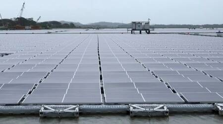 floating solar panel farms in Singapore