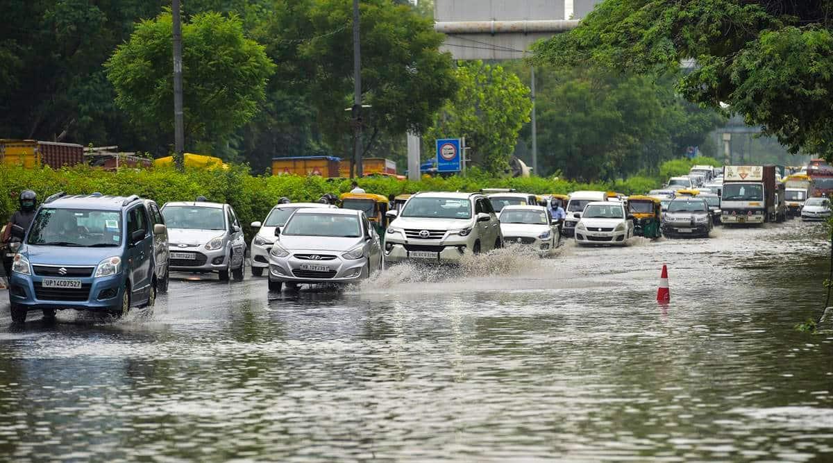 Light rain in Delhi NCR