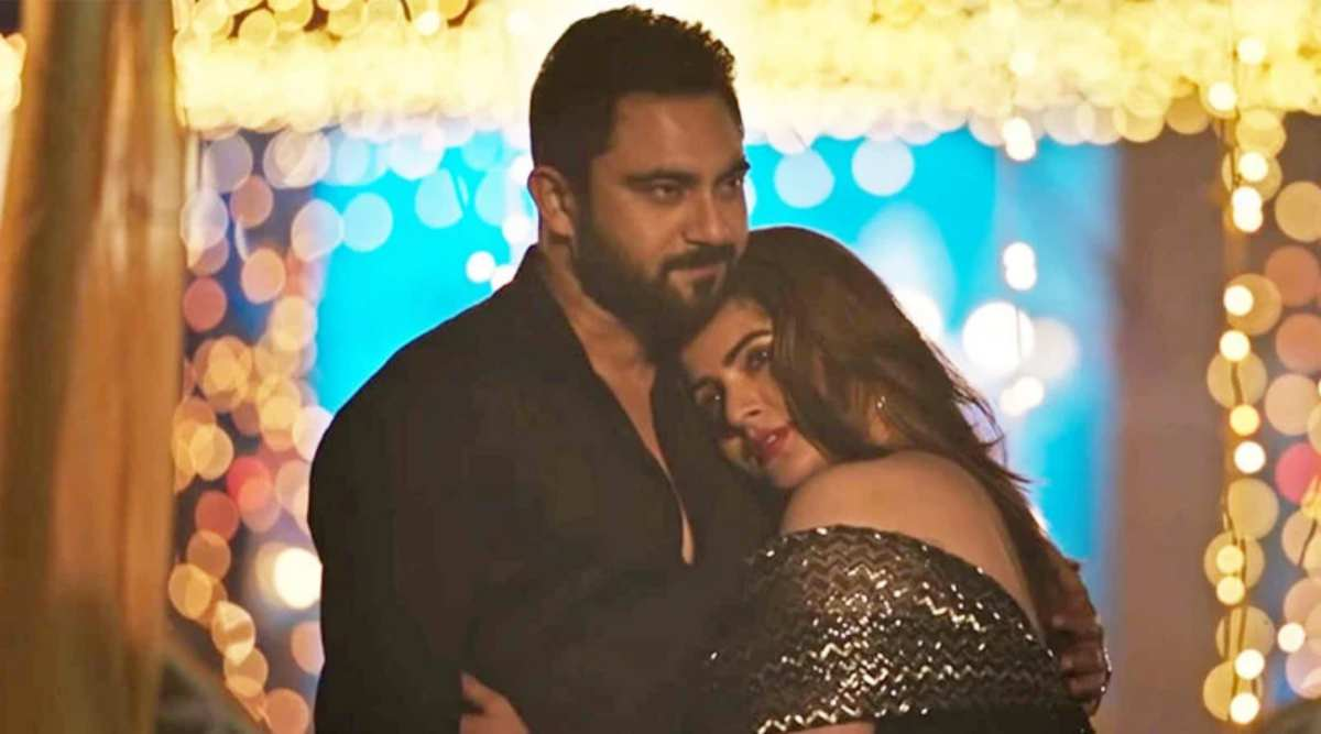Dujone review: This Srabanti and Soham starrer is a collage of cliches |  Entertainment News,The Indian Express