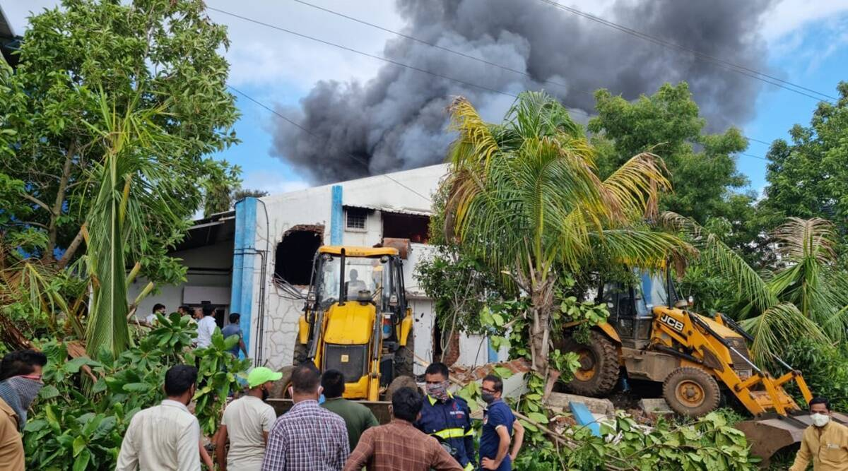 pune chemical factory fire news