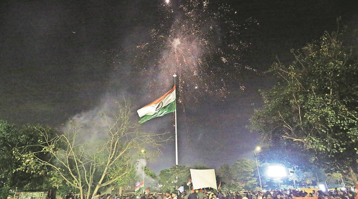 Plan to install 500 high-mast Tricolours gets a Budget boost