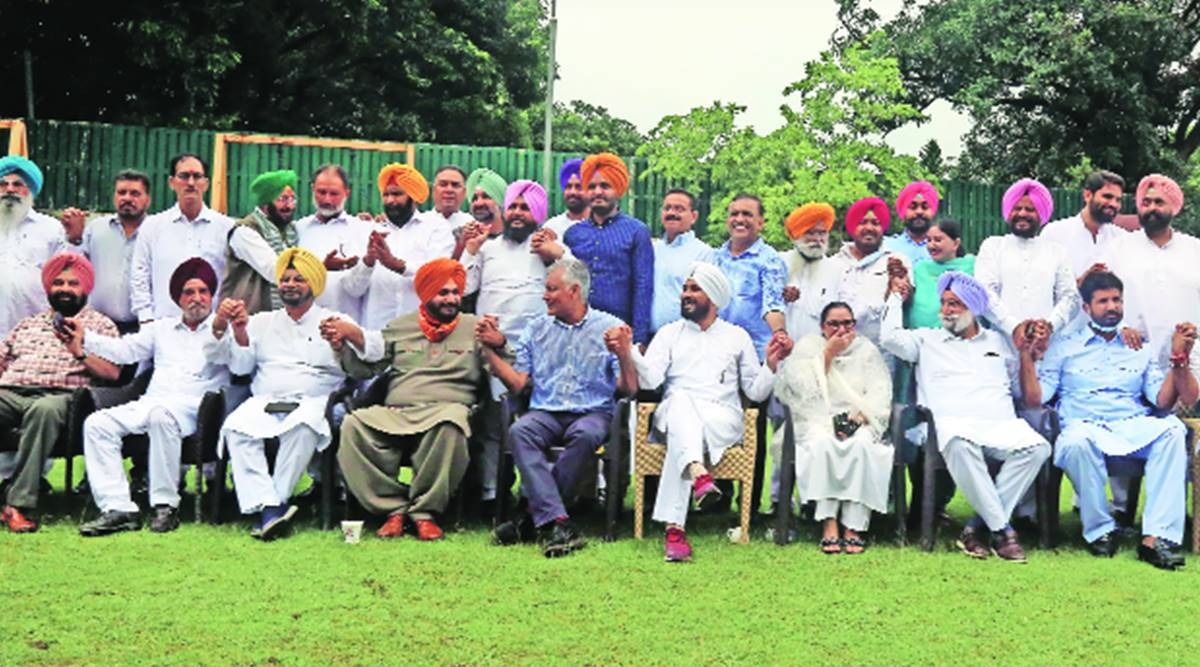 Day after appointment, Sidhu meets 40 MLAs in show of strength