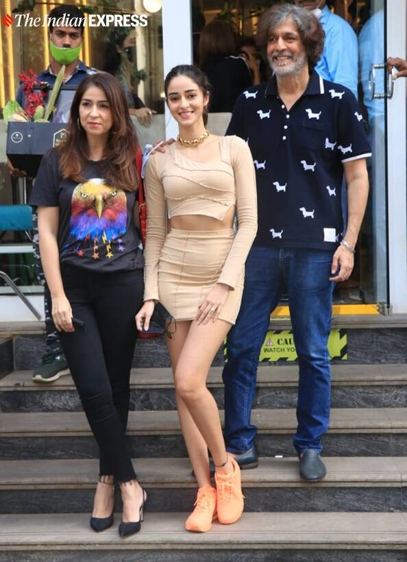 Ananya Panday was seen with her parents Chunky Panday and Bhavana Panday
