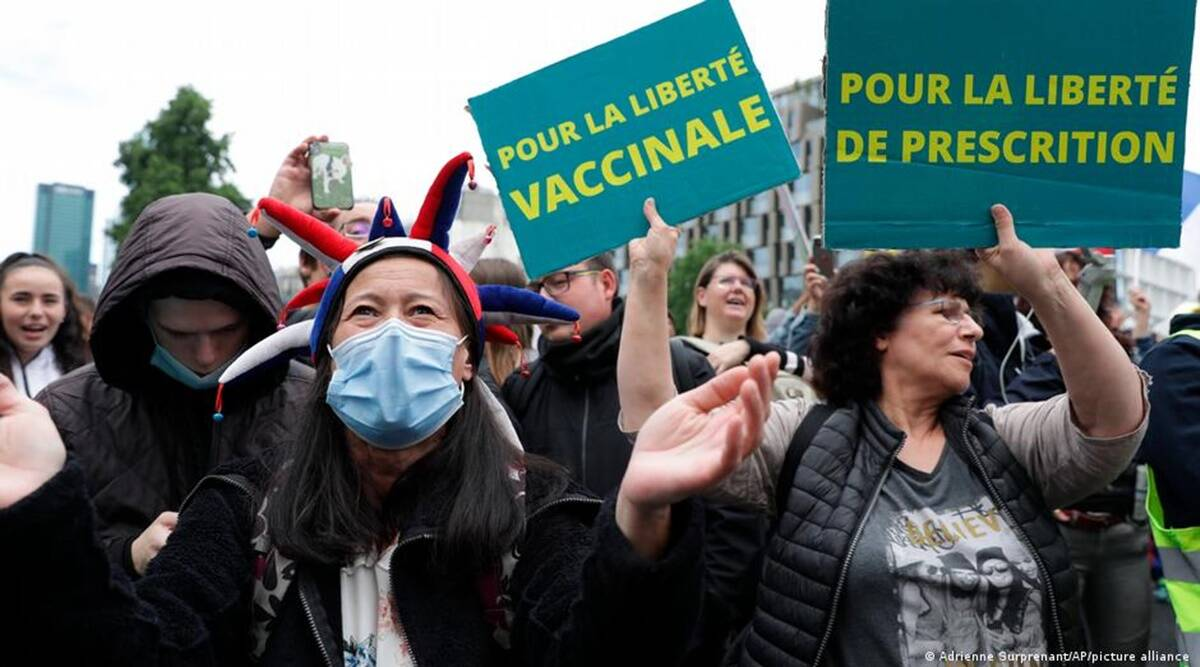 France, Italy, coronavirus, COVID-19, health pass, Green pass, protests, demonstrations, indian express, indian express news
