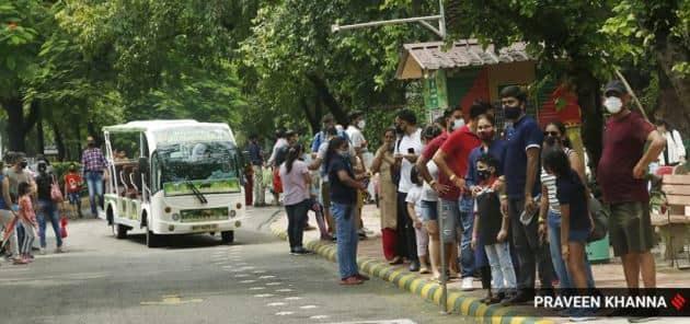 Delhi Zoo, Delhi Zoo pictures, Delhi Zoo pandemic, people visiting Delhi Zoo, Delhi Zoo reopens, pictures of Delhi Zoo, Delhi Zoo photos, indian express news