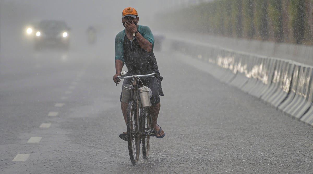 Delhi rains, delhi weather, delhi news, delhi live news, delhi live news updates, delhi covid news, delhi covid cases, delhi deaths, delhi corona news, delhi covid latest news, delhi weather news, delhi weather updates, delhi weather today